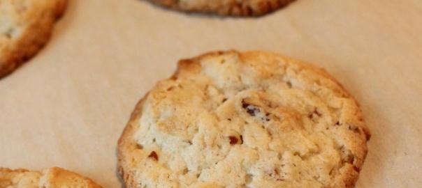 Cream Cheese Pecan Cookies | momwithagoldenfork
